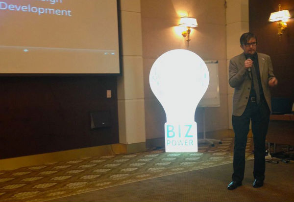 Erik Parsons speaks at BizPower – Moldova's first and largest business conference.